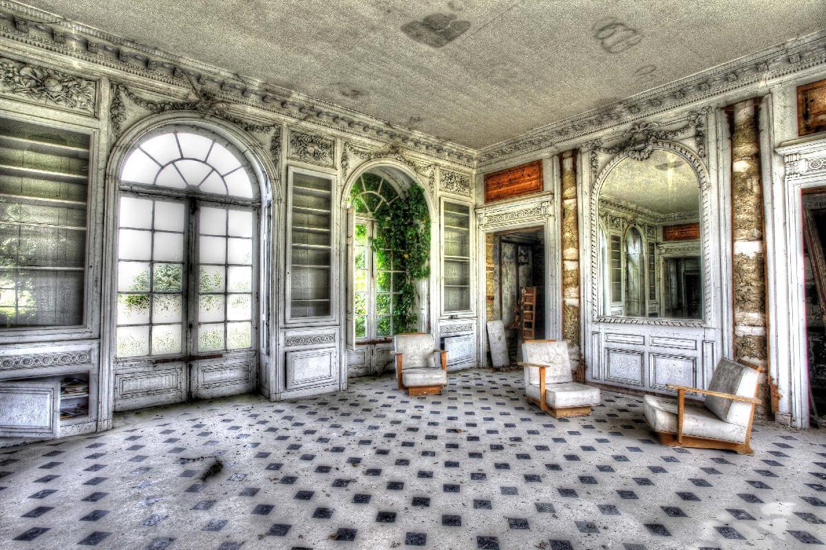 abandoned living room -