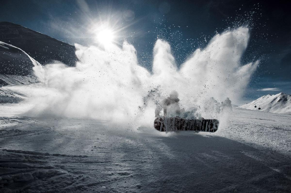 snowboarder -
