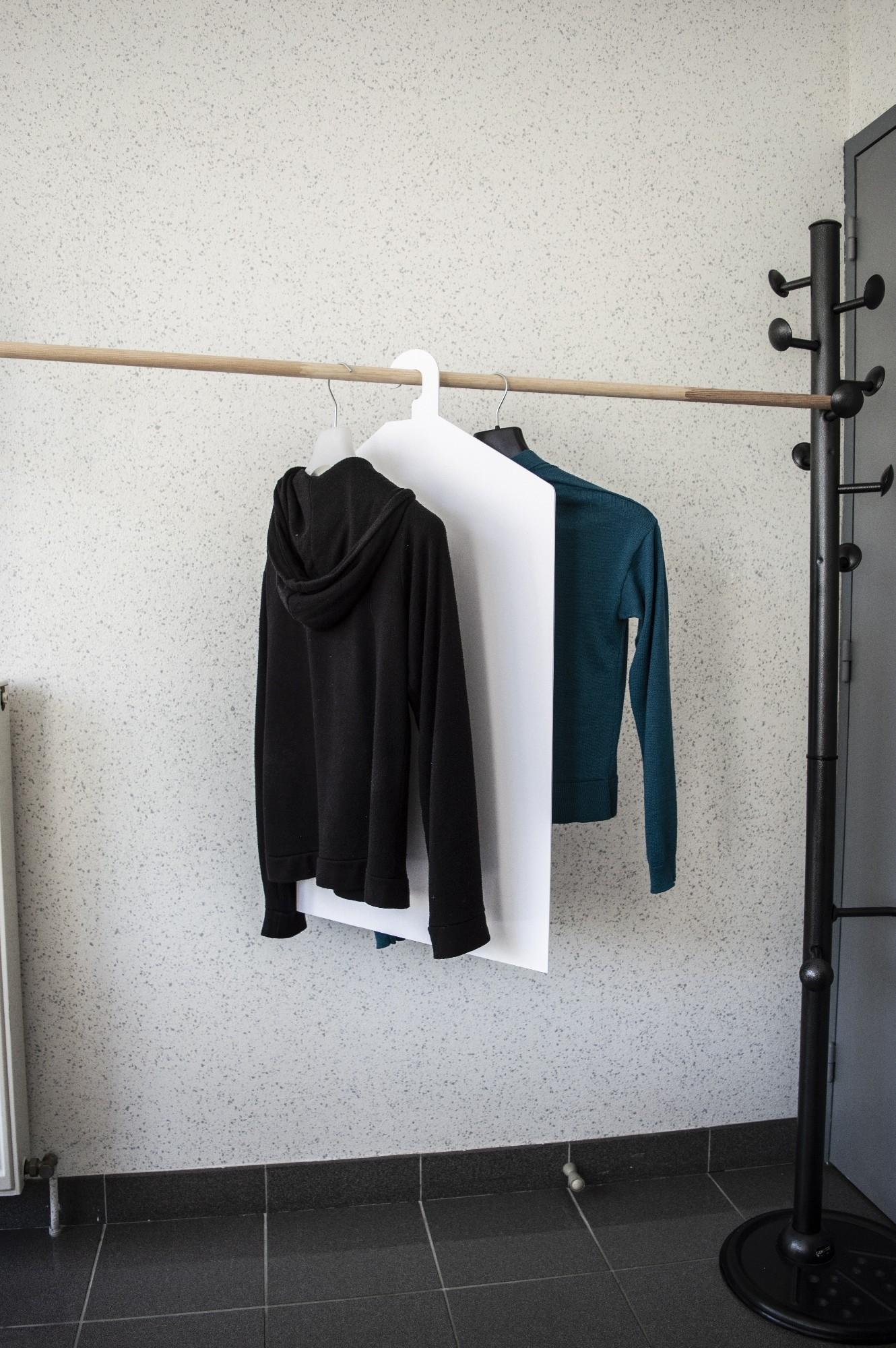 Lot de 4 Cintres séparateur vêtements -